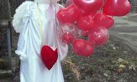 Ангел с сердцами