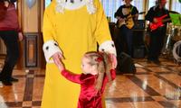 Танец принцессы и Короля-папы