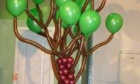 Дерево из шаров. 250 грн.