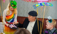 1-й день рождения ребёнка - это праздник для родителей, а также бабушек и дедушек!